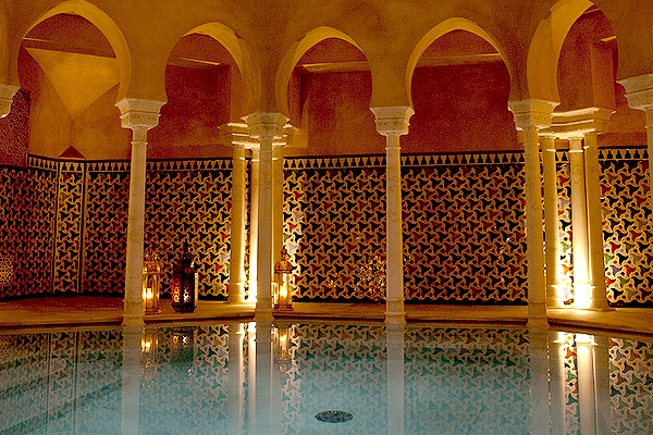 The hot pool at Hammam Malaga (promotional photo)