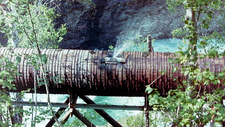 Wooden water pipe, above Flåm